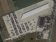 Busterminal bij Het Witte Huis in Zeeland levert parkeerprobleem op; ondernemer denkt aan een dependance verderop
