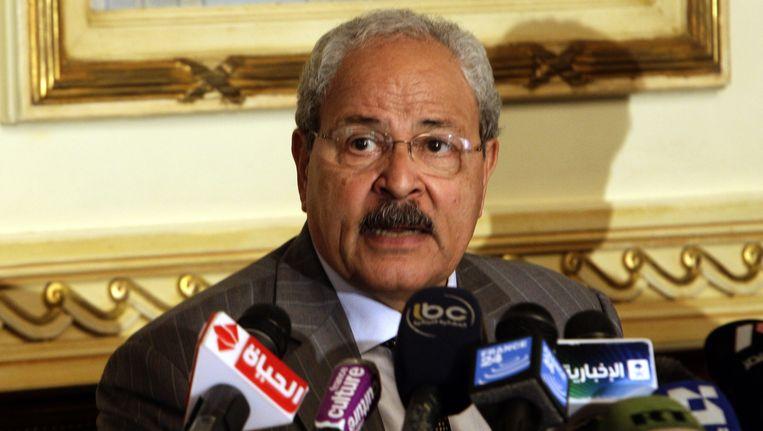 Voormalig Minister van Financiën Samir Radwan (foto) zou volgens de Egyptische parij al-Nour een goede tijdelijke premier zijn. Beeld EPA