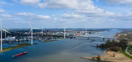 Molenlanden boos op Gorinchem dat zonder overleg  plan voor windmolens langs A15 schrapt