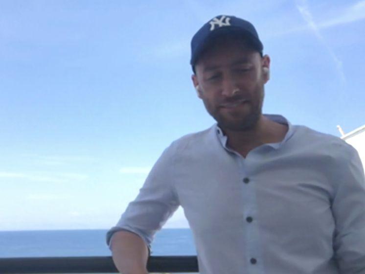 Arie mag als test vakantie vieren in Griekenland: 'Ik heb het echt gemist'