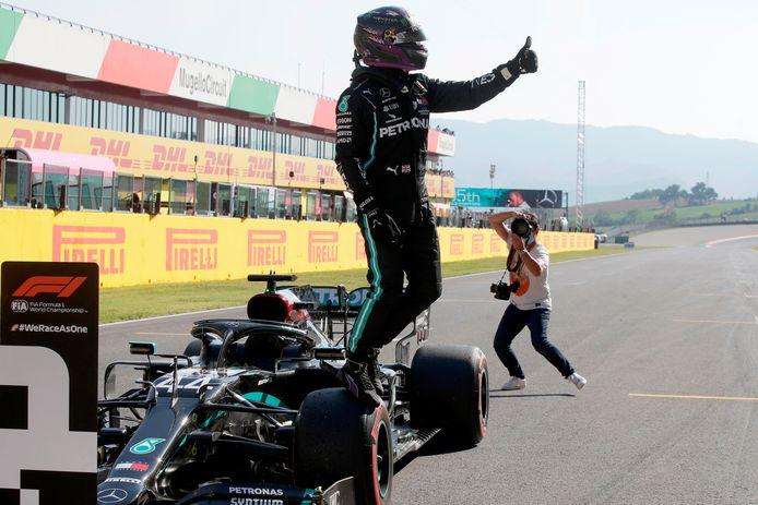 95e pole en carrière et 7e pole de la saison pour Lewis Hamilton.