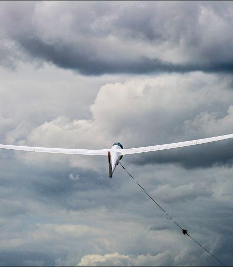 Onderzoek naar bijna-botsing tussen zweefvliegtuigen boven Malden