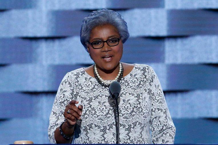Donna Brazile vorig jaar zomer tijdens de Democratische conventie in Philadelphia. Ze werd toen benoemd tot waarnemend partijvoorzitter. Beeld EPA