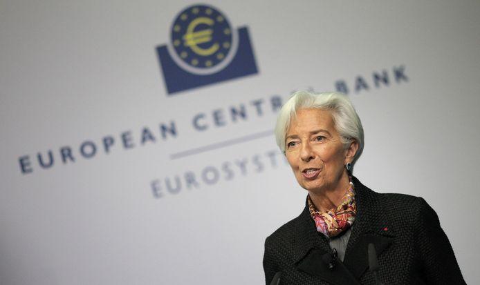Voorzitter Christine Lagarde van de Europese Centrale Bank in Frankfurt zei eind april dat de economie van de eurozone dit jaar naar verwachting zou krimpen met vijf tot twaalf procent.