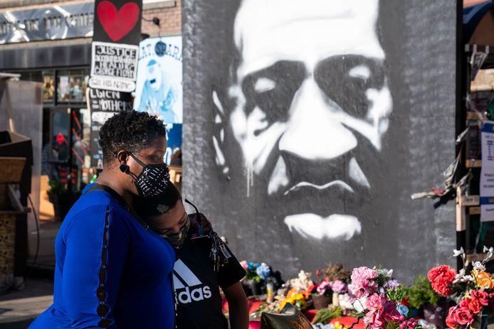 """De Pulitzer-jury stelt vast dat """"de moedige opname heeft geleid tot wereldwijde protesten tegen politiegeweld. Het benadrukt de cruciale rol van burgers in de journalistieke zoektocht naar de waarheid en gerechtigheid""""."""