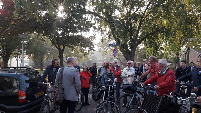 Bewoners, raadsleden en ambtenaren uit Eindhoven gingen in september op de fiets langs kamerverhuurpanden die overlast veroorzaken.