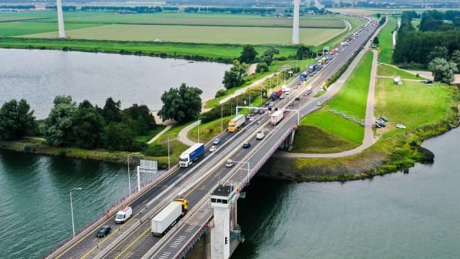 Pleidooi voor tunnel onder Haringvliet: 'Aanleg neemt meestal tien tot twaalf jaar in beslag'