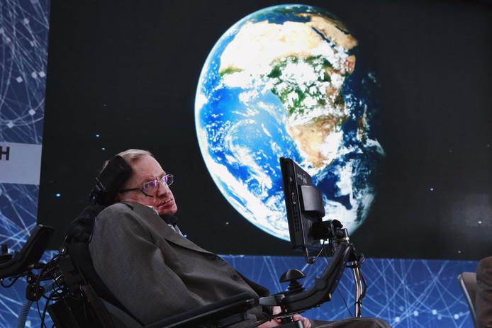 Stephen Hawking waarschuwt al jaren voor onheil voor de mensheid.