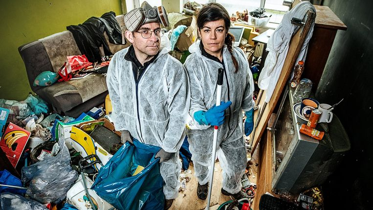 Tim en Annelies in 'De vuilste jobs van Vlaanderen'. Beeld VTM2