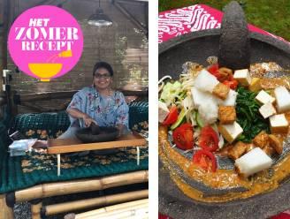 De Indonesische Wahyu deelt haar favoriete recept voor warme zomerdagen. Zo maak je de klassieker lotek gado-gado klaar