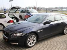 'Dure' aanrijding in Wierden: prijzige Jaguar XF komt in botsing met Audi