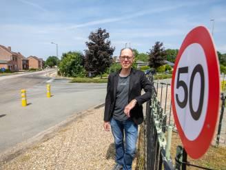 """Buurtbewoners André Dumontlaan vragen aanpassing van snelheidsbeperking: """"Bezorgd om veiligheid van schoolkinderen, fietsers én bestuurders"""""""