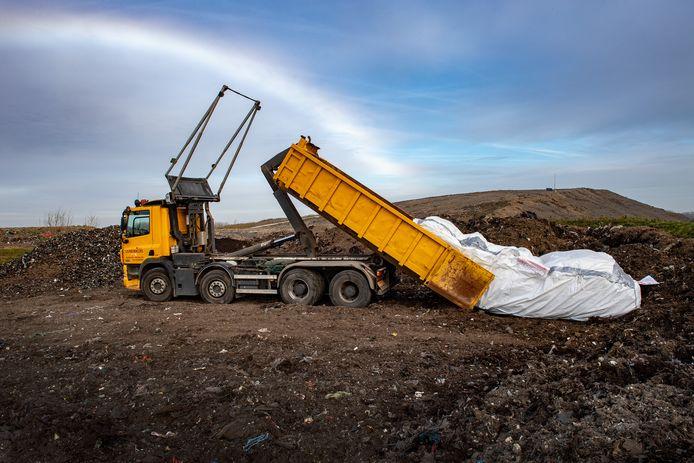 Weurt/Nederland: De ARN in Weurt is 1 van de 4 plekken in Gelderland waar asbest opgeslagen wordt.Dgfotofoto: Bert Beelen