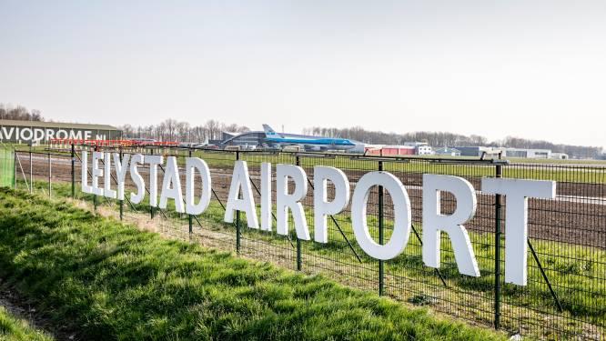 Waarom 'spookvliegveld' Lelystad Airport nu al 214 miljoen kostte en dat bedrag waarschijnlijk snel zal oplopen