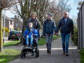 Broertjes Bart (12) en Tijn (11) krijgen in één maand dezelfde diagnose: 'Binnen een half jaar zat hij in een rolstoel'
