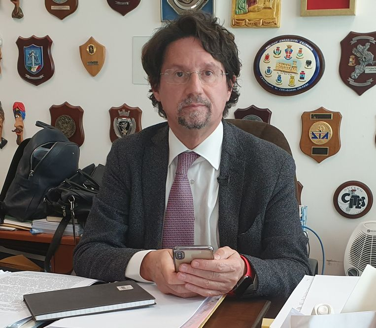 Hoofdofficier Giovanni Bombardieri: 'Overal waar rijkdom is, probeert de 'ndrangheta dat in bezit te krijgen'. Beeld Pauline Valkenet