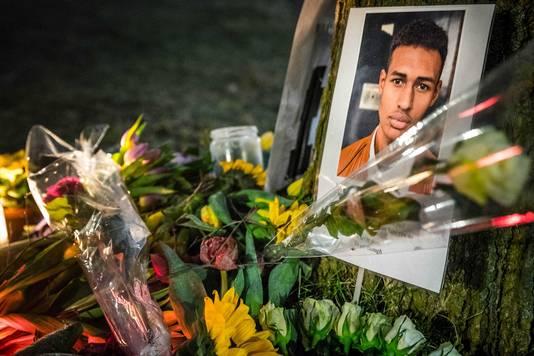 Bloemen voor Orlando Boldewijn.