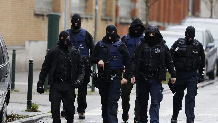 Een politieactie in de Brusselse deelgemeente Molenbeek Beeld null