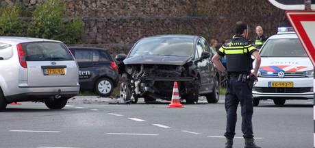 46-jarige vrouw uit Vriezenveen gewond bij botsing op N35 in Nijverdal
