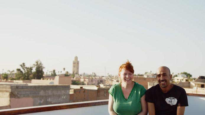 Lotte Van Den Bogaert en Rachid Cheikhi uit 'Bye bye Belgium' voelen de financiële gevolgen van de coronacrisis en bieden bonnen aan voor persoonlijke rondleidingen door Marrakech. Ze zijn geldig tot 2022.