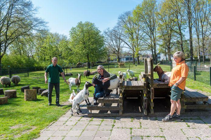 De vrijwilligers en de dieren op de Kasteel Kinderboerderij in Geldrop missen kinderen. Foto ter illustratie.