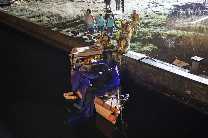 In februari werden de 46-jarige vrouw en 33-jarige man uit Polen, dood aangetroffen op het gekaapte bootje aan de Waldorpstraat in Den Haag.