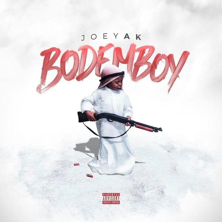 Op de cover van het album en in de advertenties poseert een in Arabisch gewaad uitgedoste kleuter met een geweer, twee kogelhulzen aan de voeten. Beeld