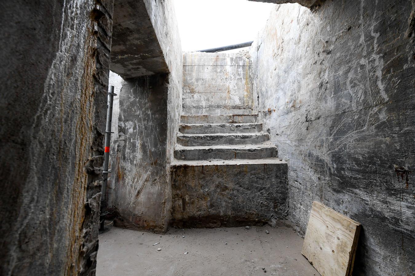 Ingang van een bunker in Scheveningen
