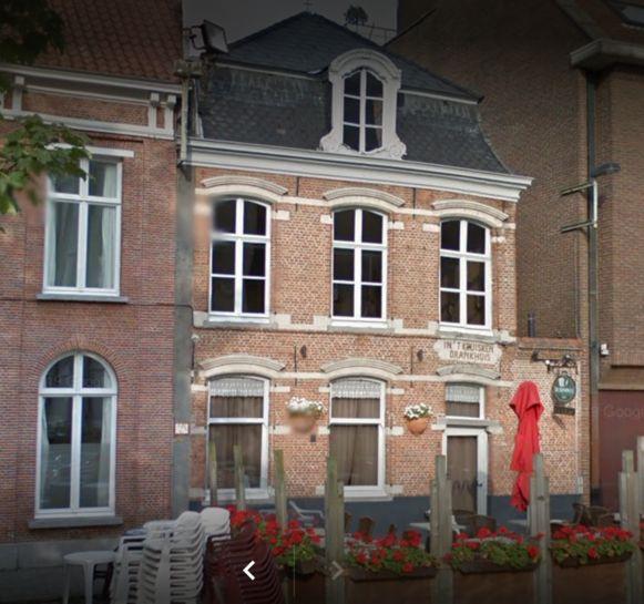De buitenkant van café In 't Kruisken.