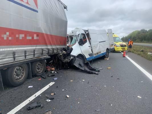 Het ongeluk op de A67 bij Hapert.