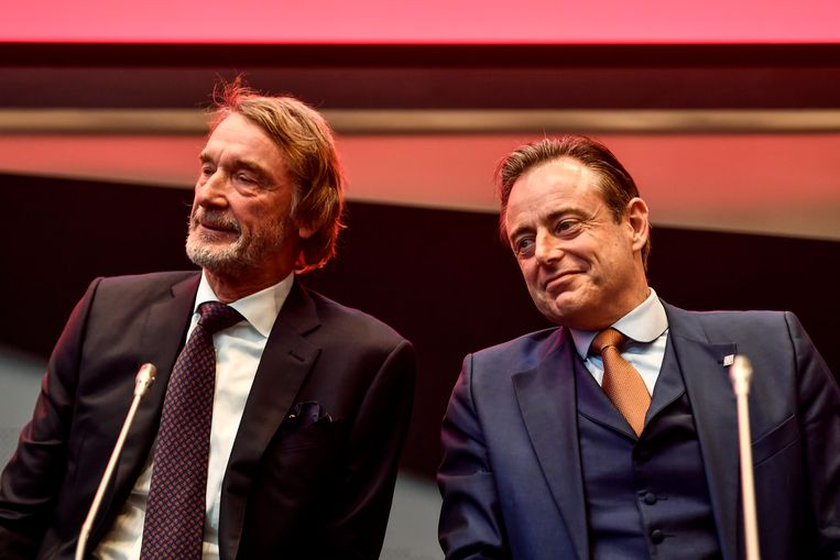 Ineos-baas Jim Ratcliffe en burgemeester Bart De Wever (N-VA) tijdens de presentatie in januari van de miljardeninvestering van de Britse chemiegroep.