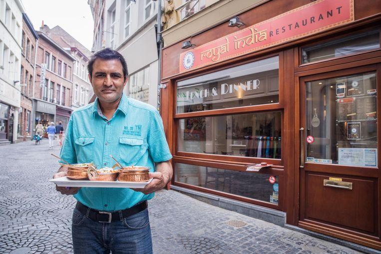 Nagender Singh zit sinds twee maanden met zijn Indisch restaurant Royal India in de Donkersteeg.