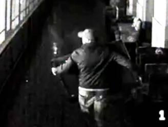 Inbreker hangt gestolen plasma-tv netjes terug