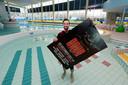 Nick van Teeffelen in zwembad De Stok, waar hij zaterdag 750 hardstyle-liefhebbers verwacht.