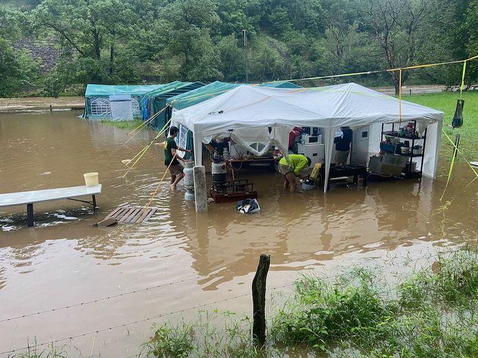 Het kampterrein in Poulseur liep helemaal onder water.