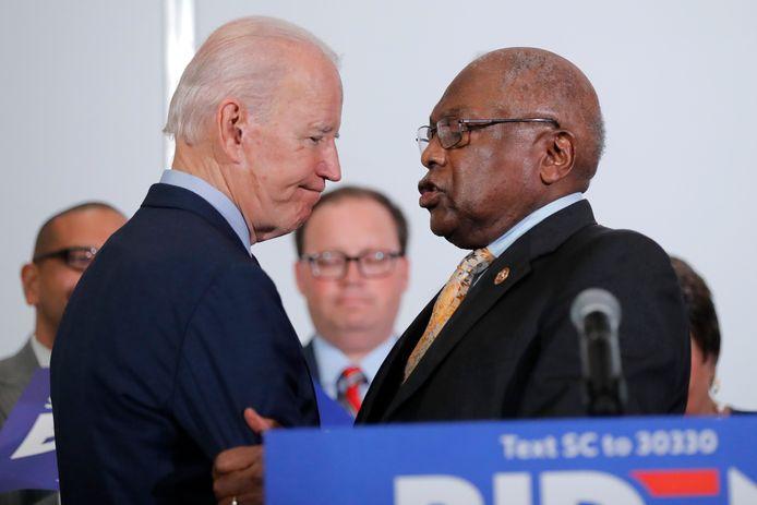 Joe Biden met Jim Clyburn (R).