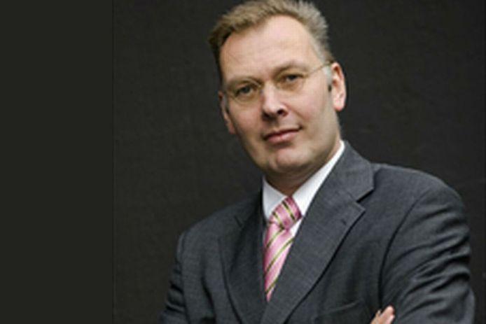 Gemeentesecretaris Rob van Wuijtswinkel van Arnhem.