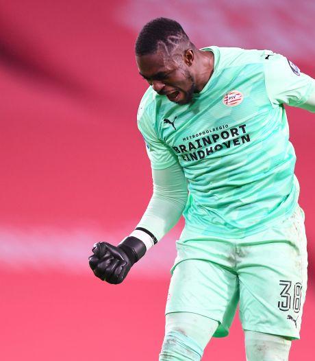 Schmidt vindt dat het Mvogo niet altijd mee heeft gezeten bij PSV: 'Hij heeft het goed gedaan'