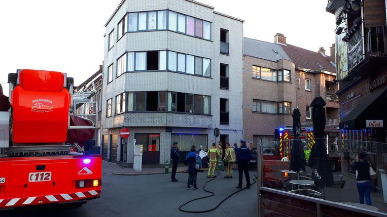 Archiefbeeld - Door de brand moesten verschillende bewoners naar het ziekenhuis.
