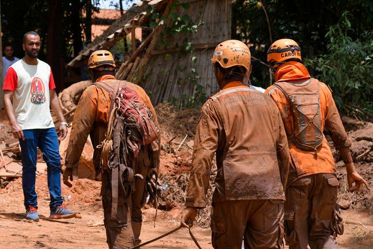 Foto van reddingswerken in Minas Gerais, Brazilië.   Beeld Photo News