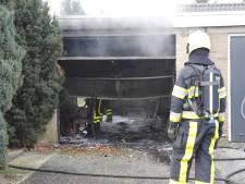 Garage bij woning uitgebrand in Heijen