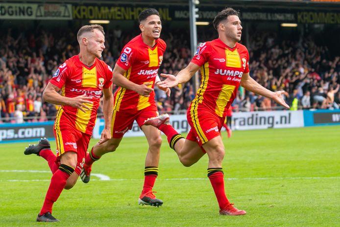 Giannis Botos juicht na zijn winnende goal in de IJsselderby.   during the match Go Ahead Eagles - PEC