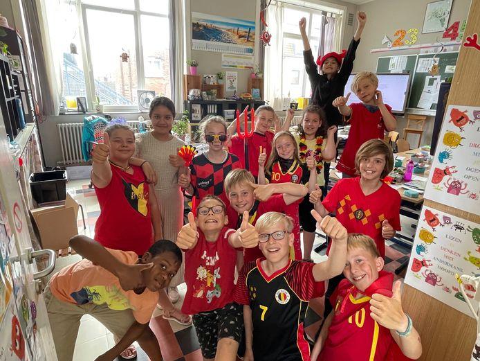 De leerlingen van de Vrije Basisschool Duinen kwamen uitgedost naar school voor de wedstrijd van de Rode Duivels