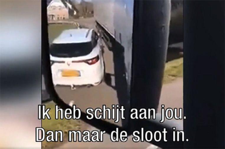 Deze automobilist krijgt de wind van voren.