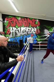 Highschool of Boxing in Roosendaal: 'Hard trainen en veel lachen'
