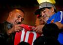 Ook Gullit (links) zag Maradona in zijn korte tijd in Mierlo.