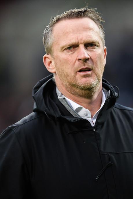 Duel in Tilburg heeft gevolgen voor Van den Brom: 'Doet best pijn als je moeder huilend belt'