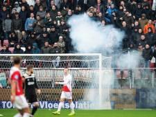 Politie pakt verdachte op voor gooien vuurwerkbom tijdens FC Utrecht-Ajax
