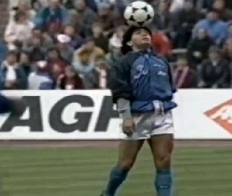 Maradona, Live is life: de moeder aller warming-ups wordt 25 | De Volkskrant