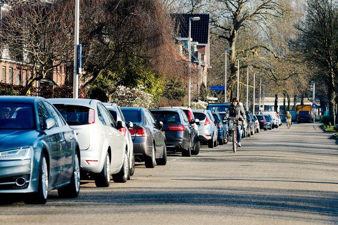 Parkeerplekken in Tuindorp Oost.